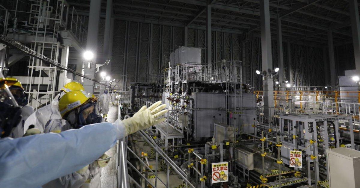 Официальные лица Японии предлагают выпустить воду с АЭС Фукусима в окружающую среду thumbnail