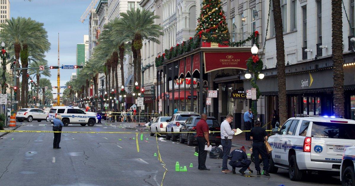 11 человек получили ранения после стрельбы возле французского квартала Нового Орлеана thumbnail