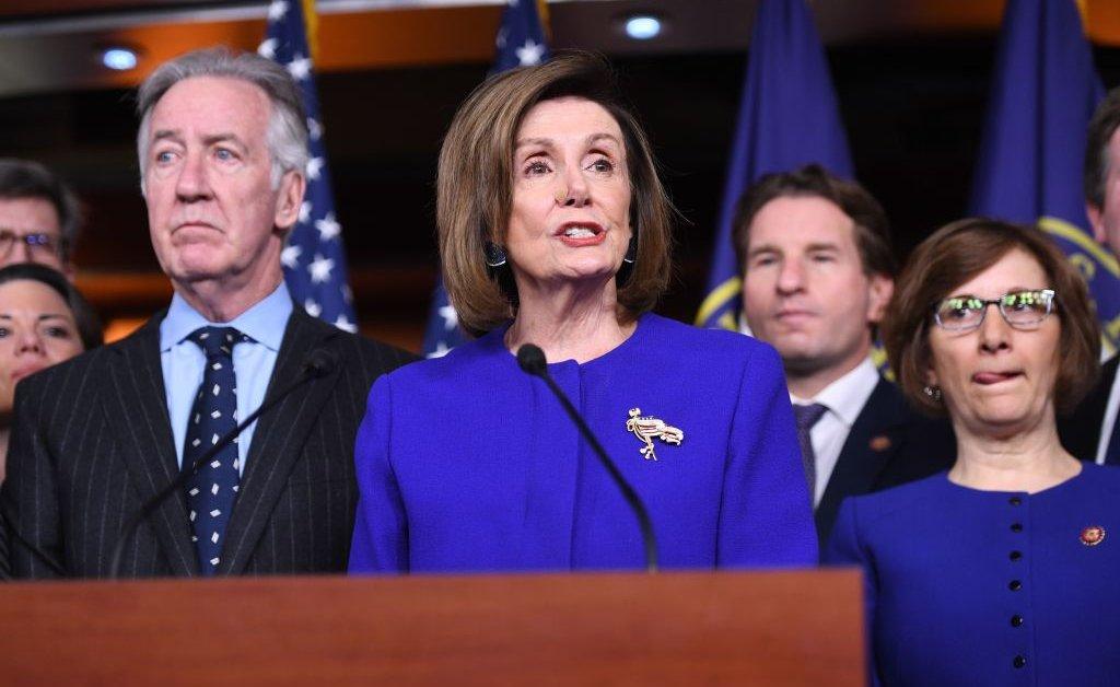 Редкое двухпартийное проявление в одержимом импичментом Вашингтоне thumbnail