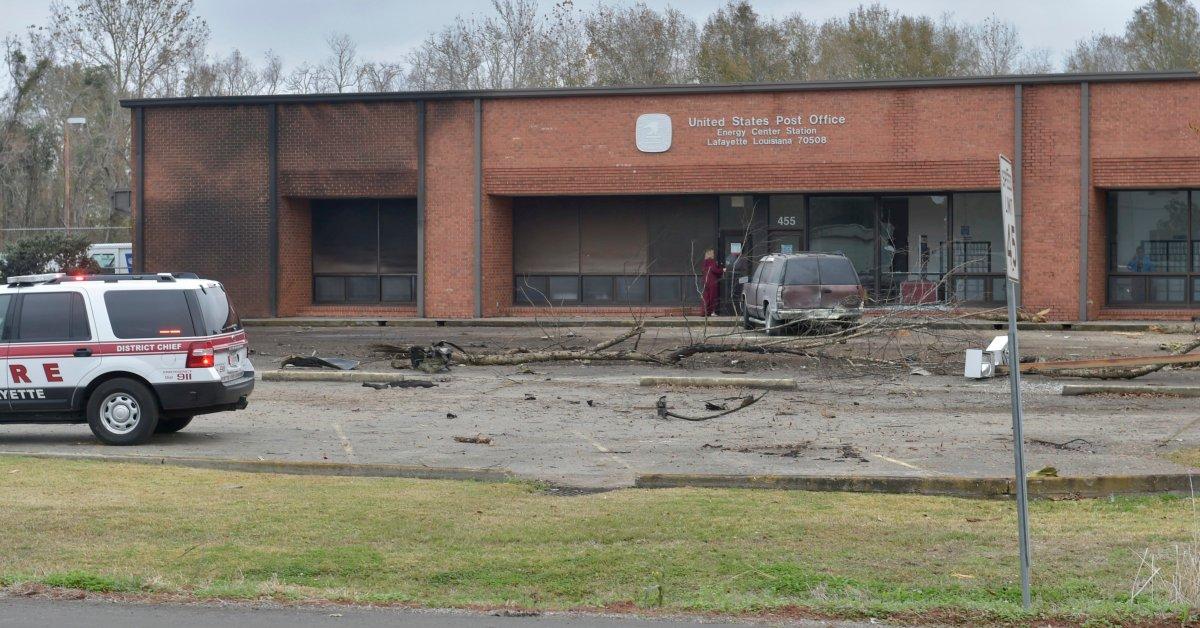 5 погибших после небольших авиакатастроф в Луизиане thumbnail