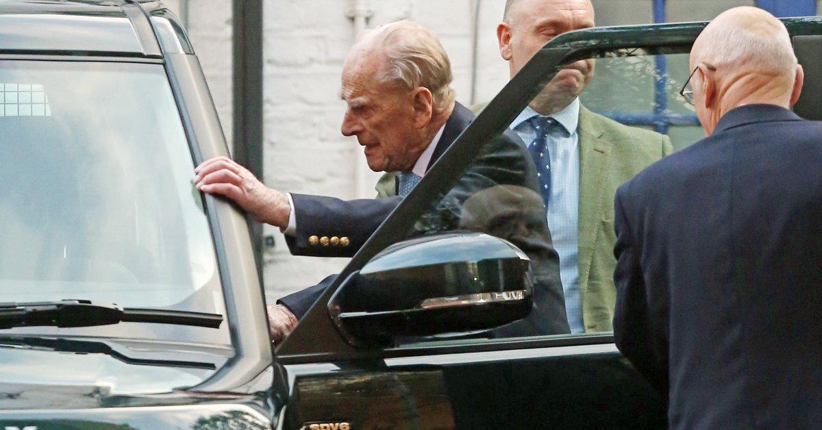 Больница принца Филиппа покидает больницу после лечения «ранее существовавшего состояния» thumbnail