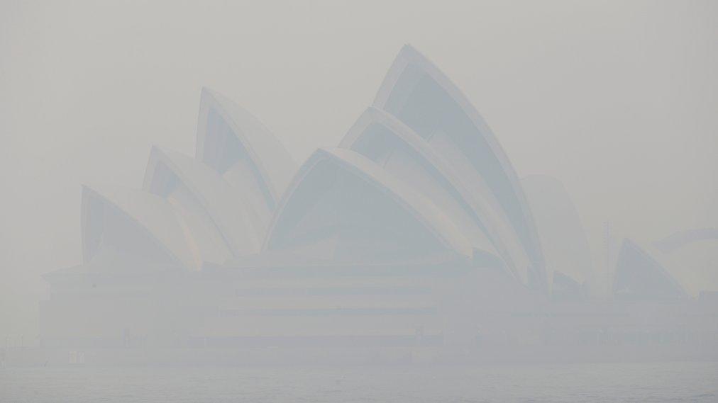 'Toxicity Is Very, Very High.' Sydney Chokes in Hazardous Haze as Wildfires Spread