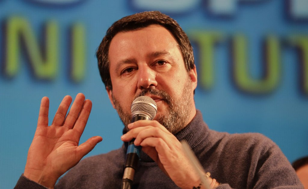 Итальянские избиратели наносят удар по популистскому лидеру Маттео Сальвини на региональных выборах thumbnail