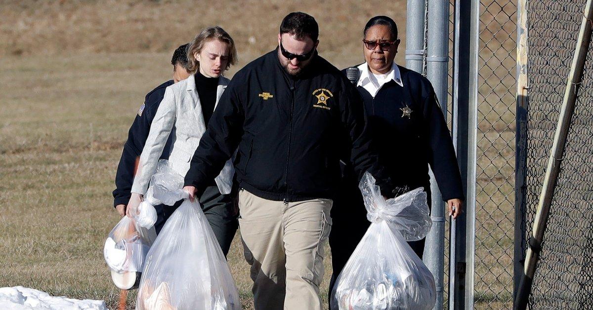Женщина, осужденная по текстовому делу о самоубийстве, освобождена из тюрьмы thumbnail