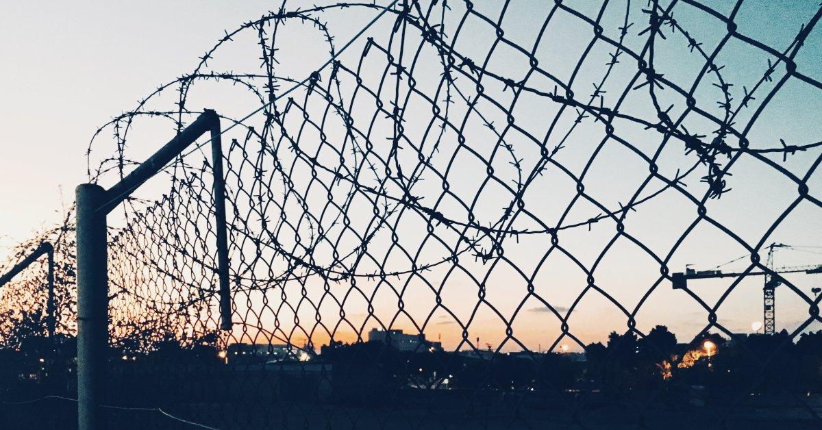 Чиновники говорят, что двое заключенных пропали из неблагополучной тюрьмы Миссисипи thumbnail