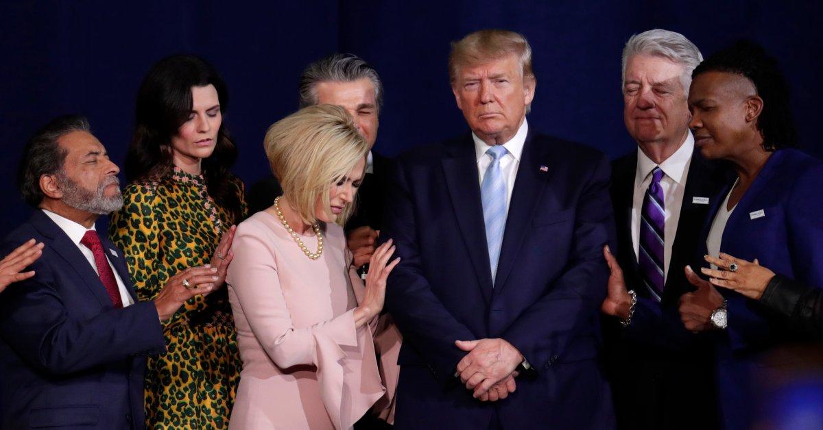Трамп станет первым действующим президентом, который примет участие в митинге «Марш на всю жизнь» против абортов thumbnail