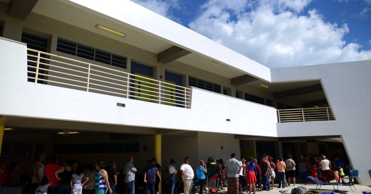 Пуэрто-Рико открывает только 20% школ через 3 недели после сильного землетрясения thumbnail