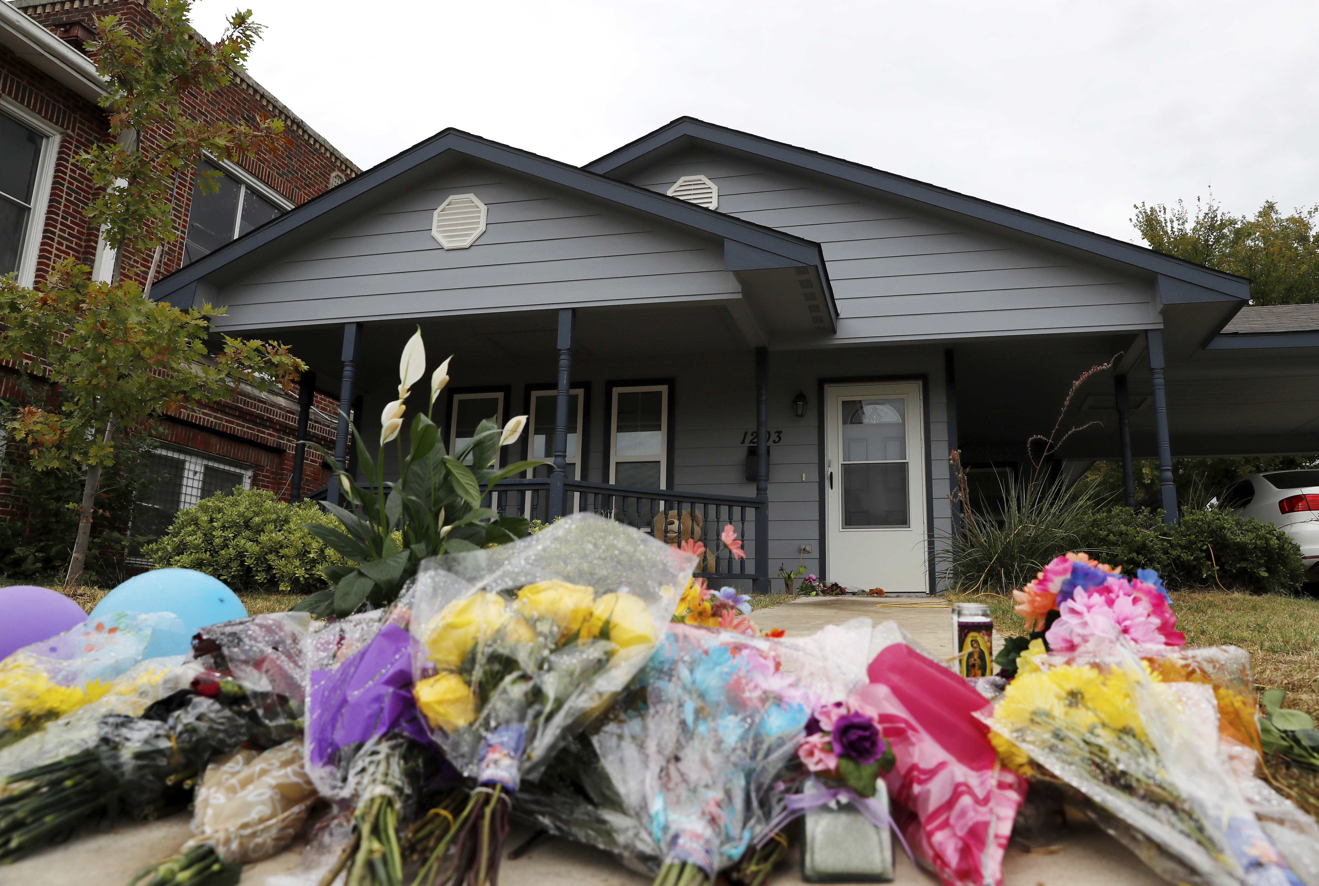 Mother of Atatiana Jefferson, Woman Killed by Texas Police in Her Home, Dies in Same Residence