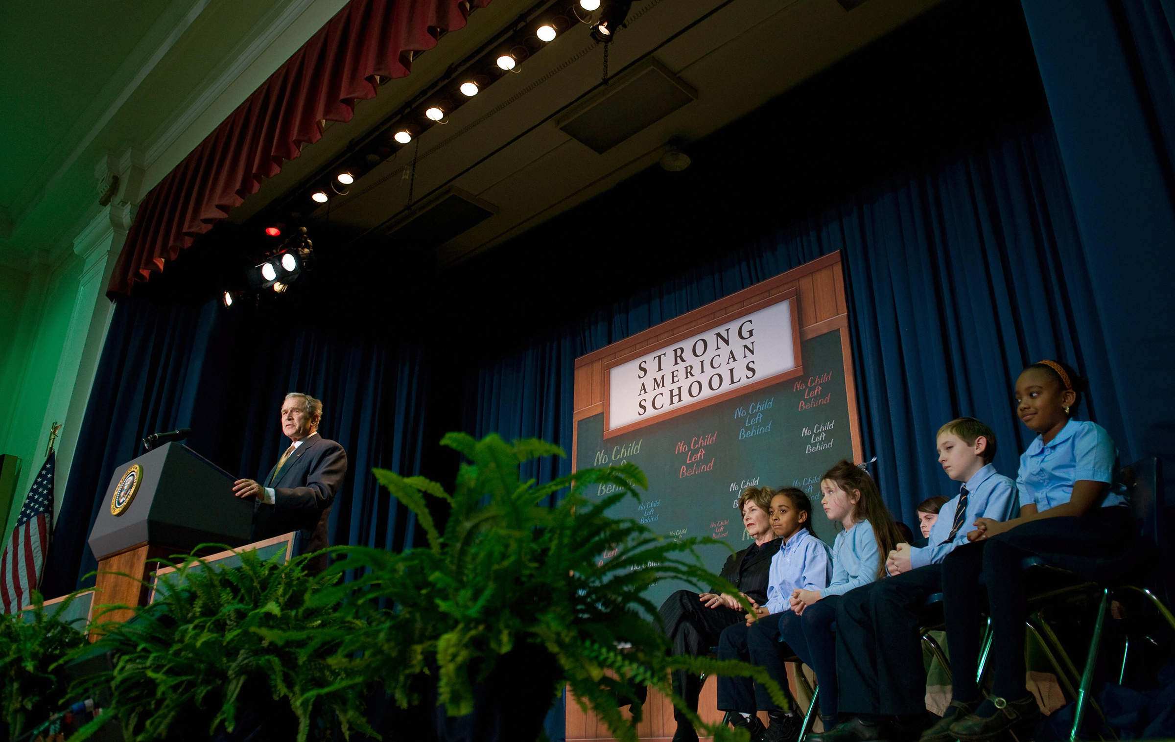 Former US President George W. Bush speaks on No Child Left Behind at General Philip Kearny School in Philadelphia, Pennsylvania, on Jan. 8, 2009.