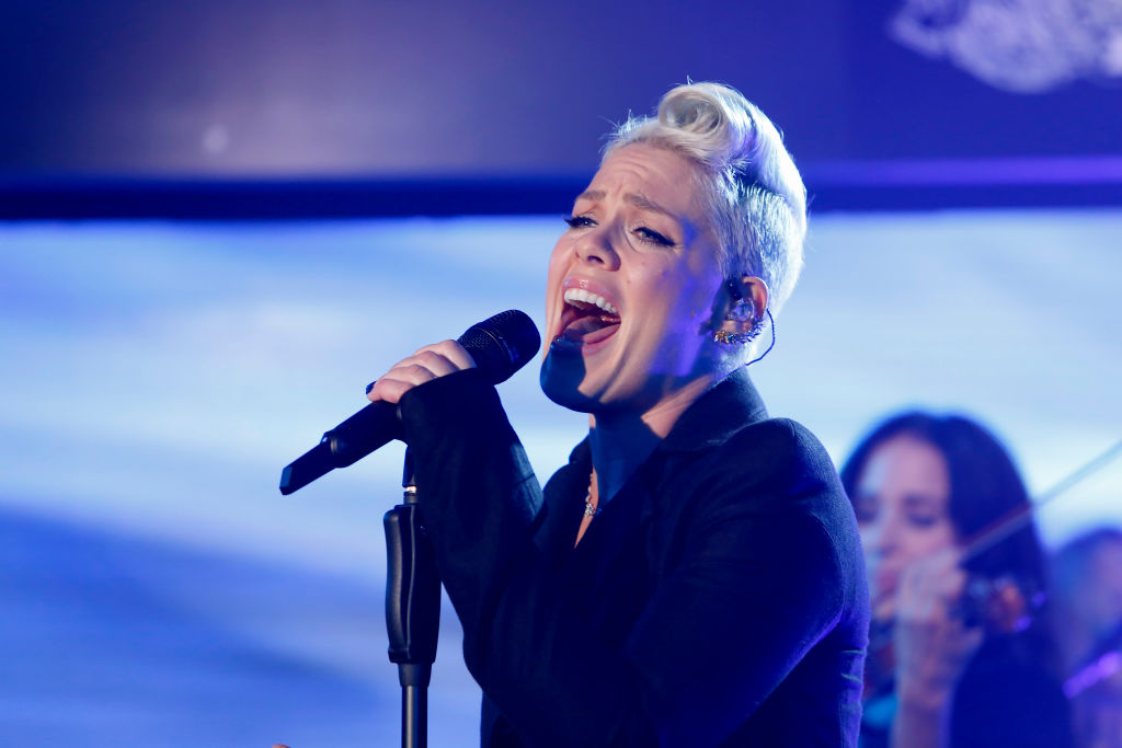 P!nk preforms on  Jimmy Kimmel Live  on Nov. 1, 2017.