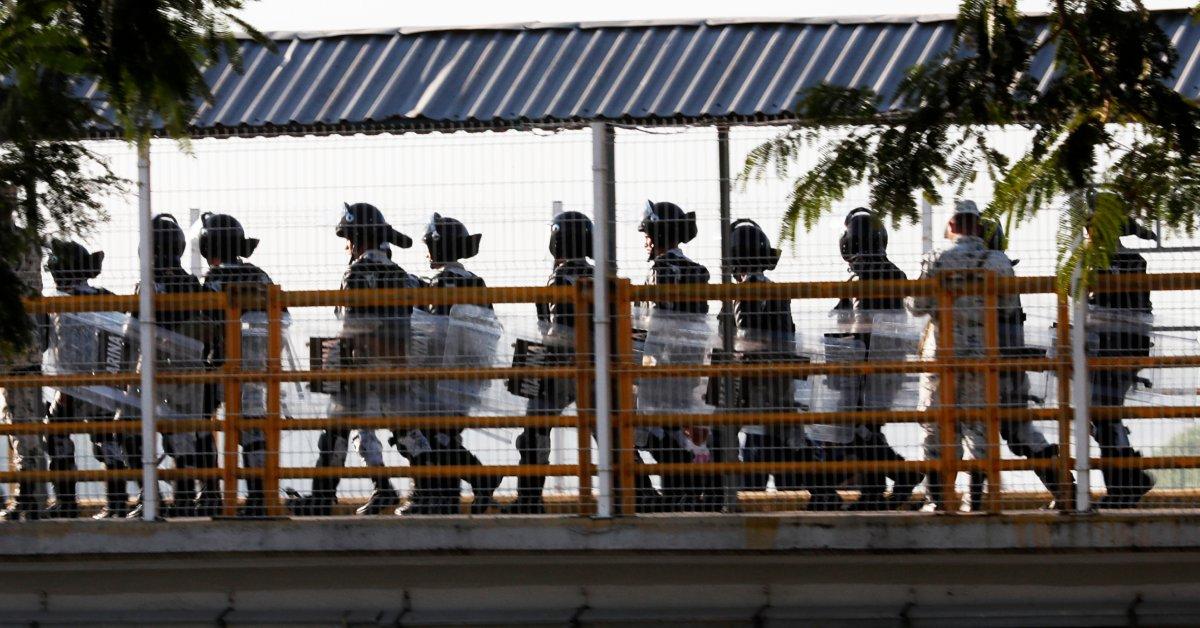 Тысячи лагерей в Гватемале, поскольку Мексика блокирует путь мигрантов thumbnail