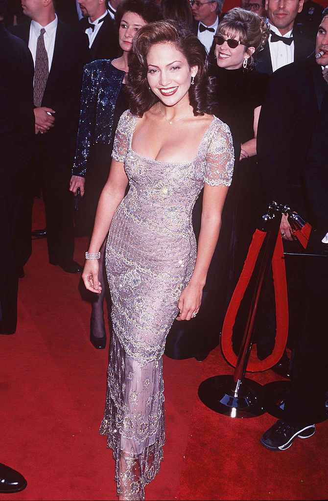 Jennifer Lopez arrives on the red carpet for the 69th Annual Academy Awards on March 24, 1997 at the Shrine Auditorium in Los Angeles, California.