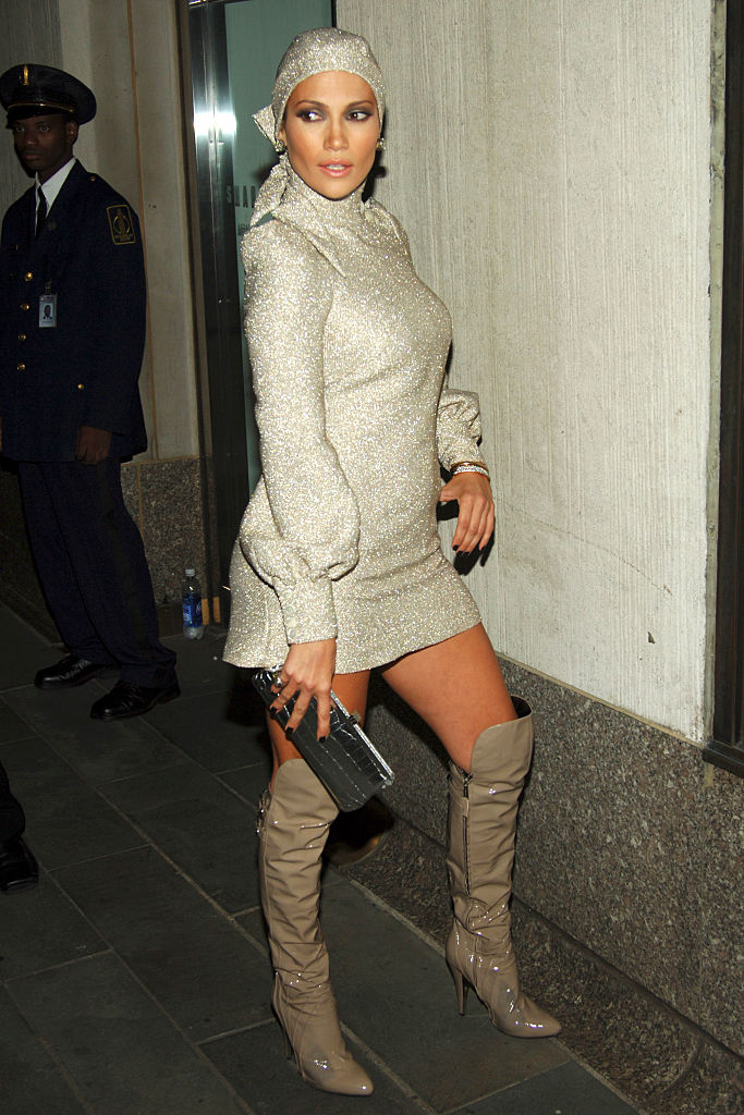 Jennifer Lopez attends 2006 MTV Video Music Awards at Radio City Music Hall on August 31, 2006 in New York City.