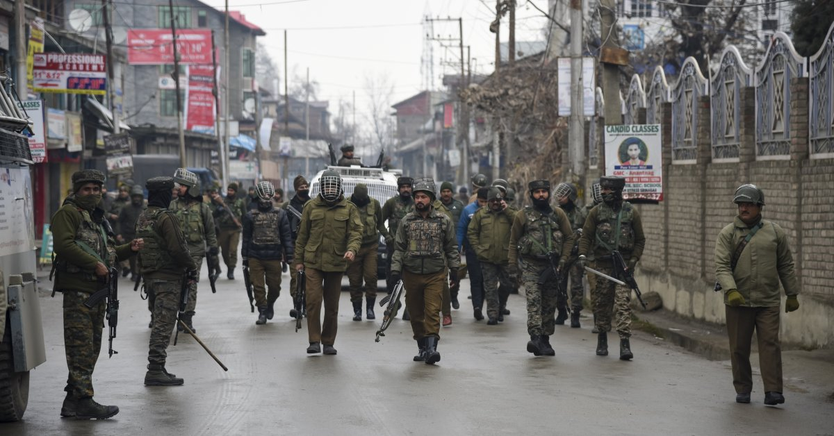 India's Supreme Court Rules the Indefinite Internet Shutdown in Kashmir Was an 'Abuse of Power.' But For Now, It Continues