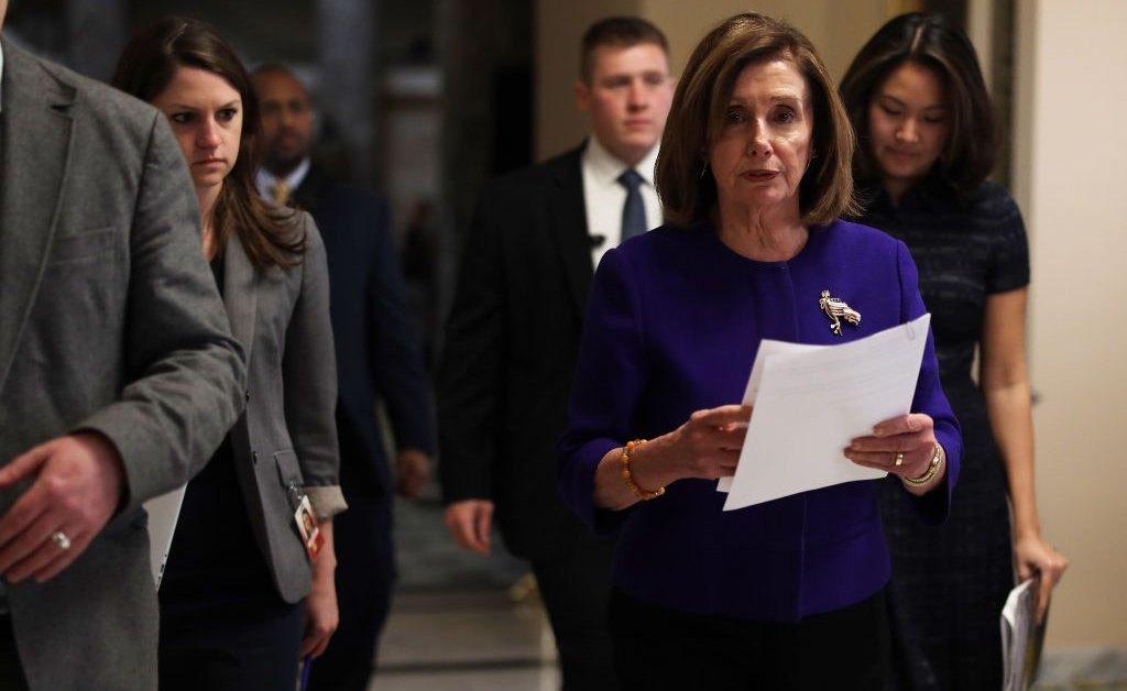 Нэнси Пелоси: Сенаторы «заплатят цену», если они заблокируют показания свидетелей импичмента thumbnail