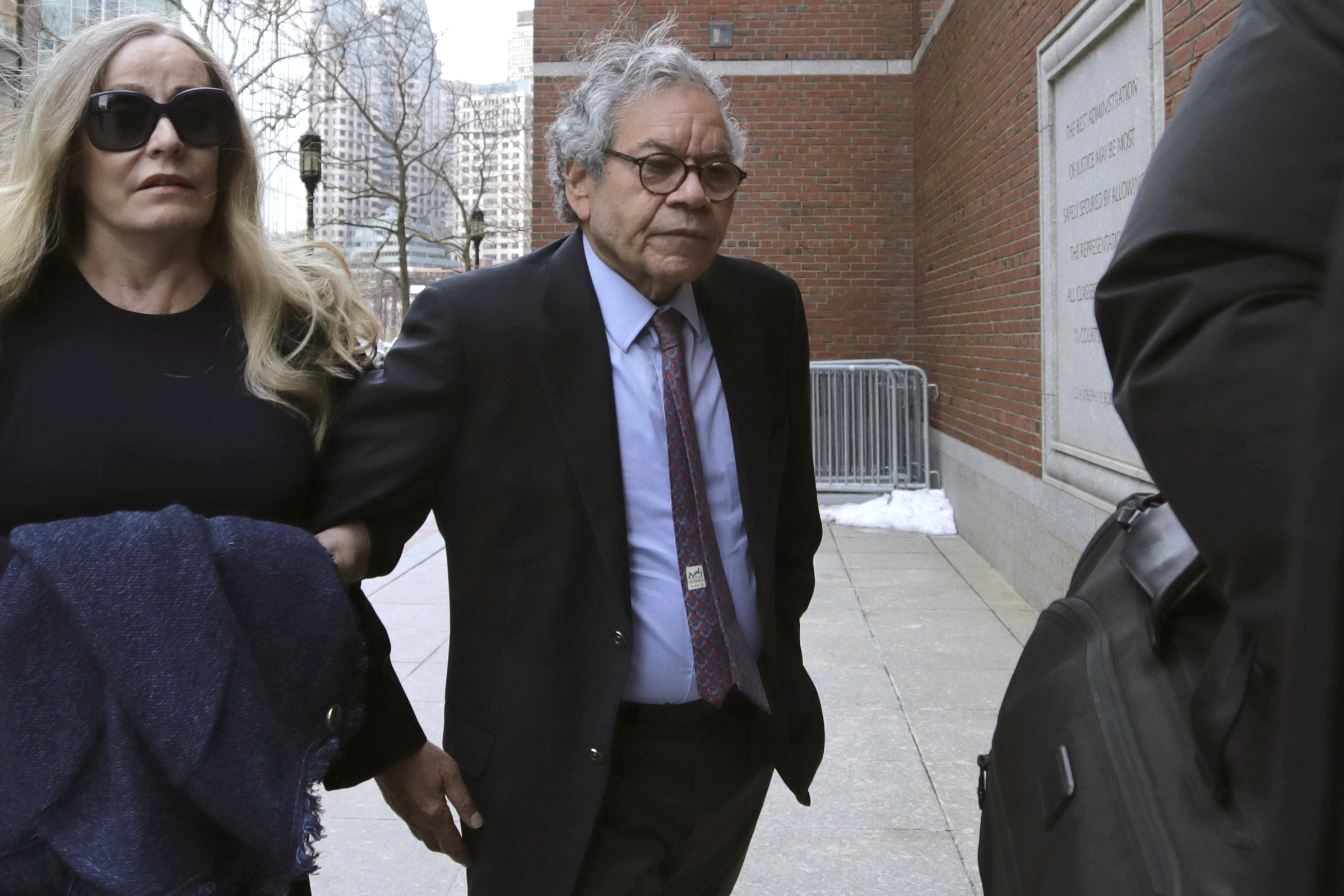 Pharmaceutical Company Founder Gets 5 1/2 Years for Pushing Opioid