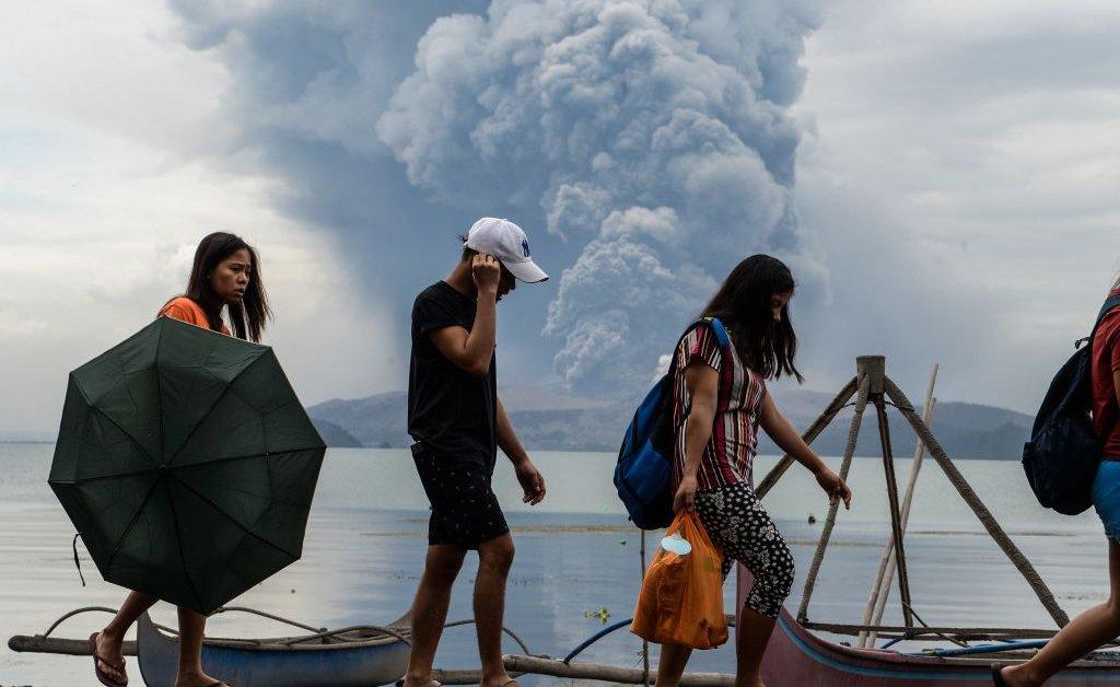 Вулкан Таал на Филиппинах имеет историю смертельных извержений. Вот что может произойти дальше thumbnail