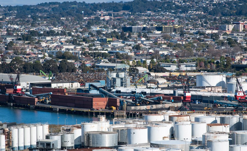 Город Калифорния голосует за закрытие важнейшего порта для экспорта угля из США thumbnail