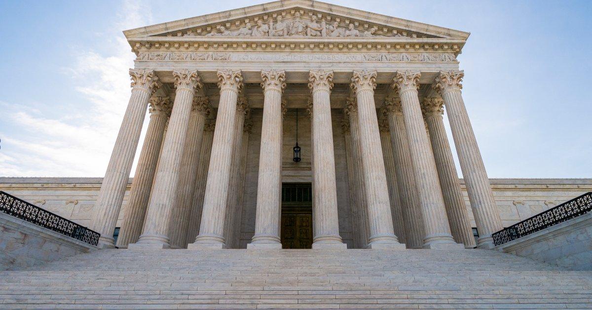 Верховный суд разрешил политику отказа в использовании грин-карт в использовании общественных благ thumbnail