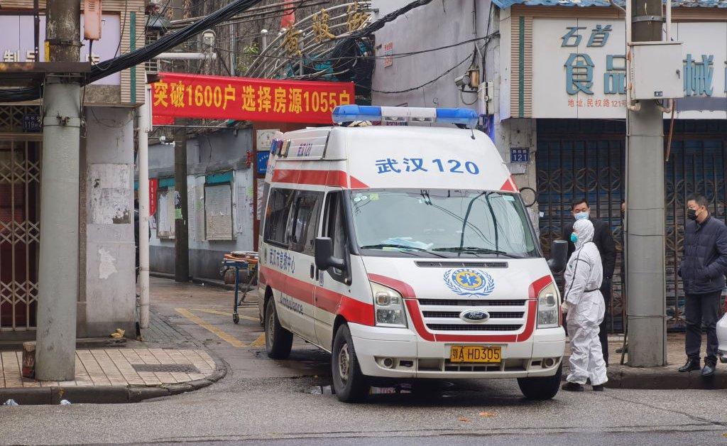 36-летний мужчина до сих пор является самой молодой жертвой вспышки коронавируса в Ухане thumbnail