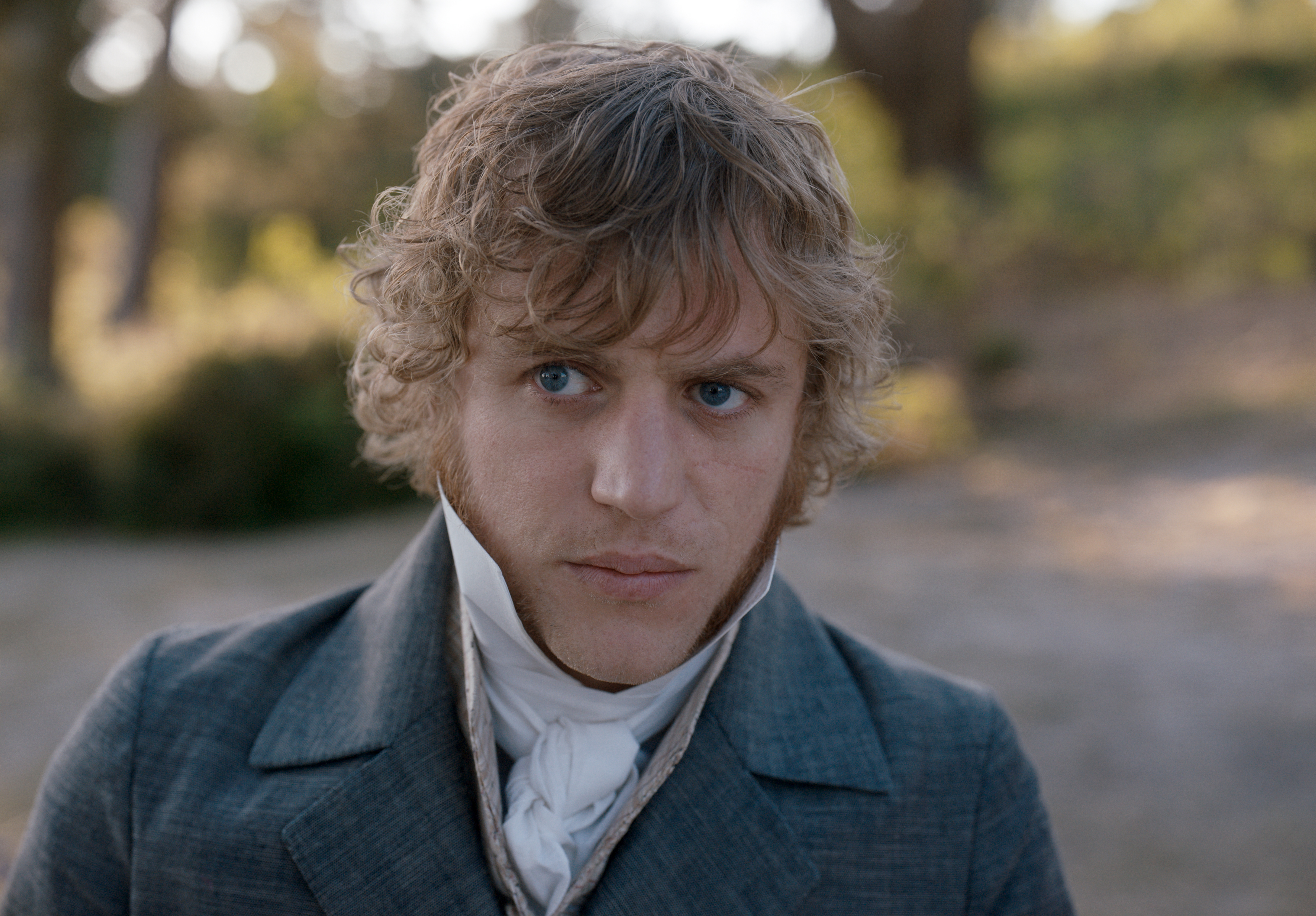 Johnny Flynn stars as  'George Knightley  in director Autumn de Wilde's EMMA, a Focus Features release. Credit : Focus Features