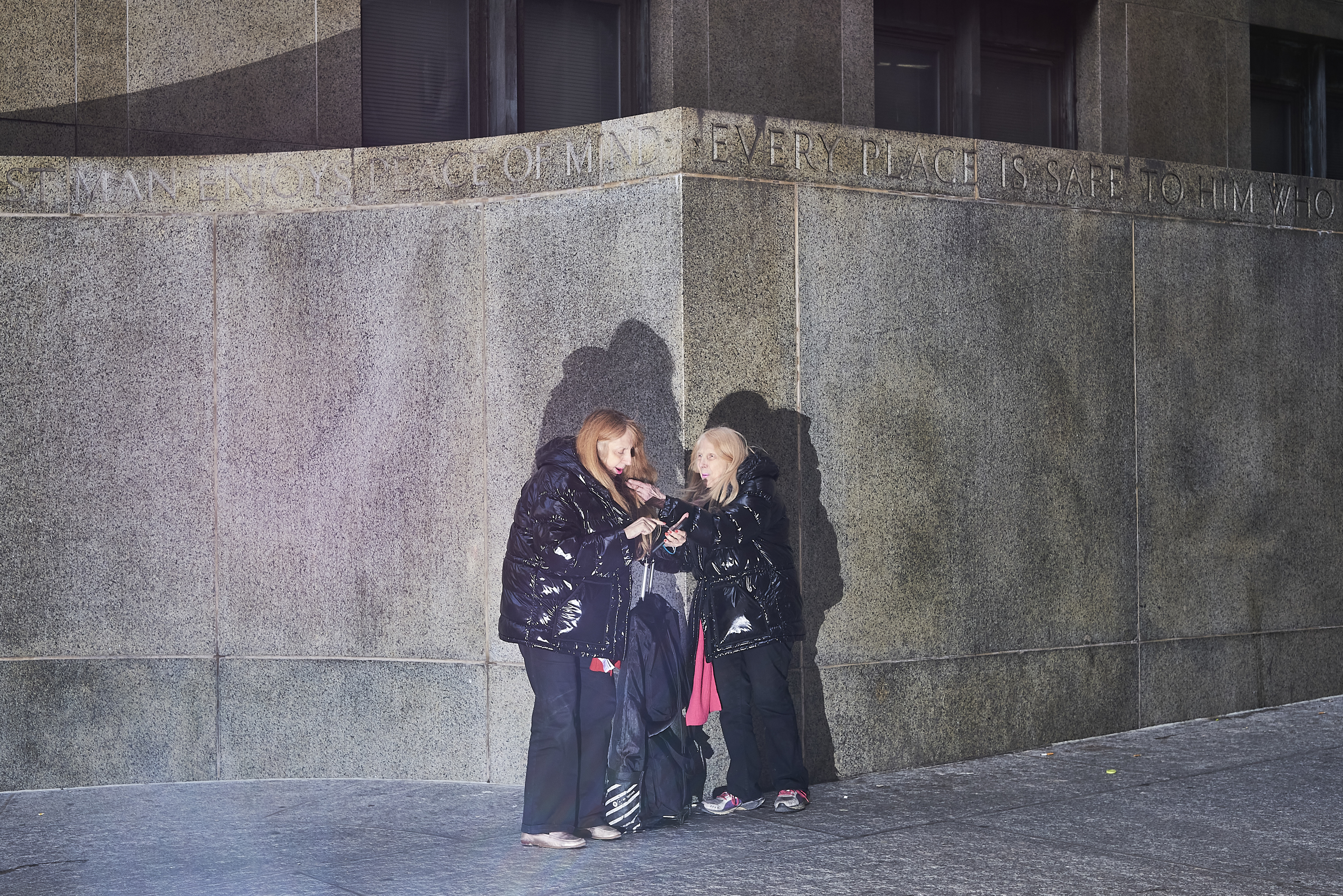 Courtroom sketch artists Andrea and Shirley Shepard outside of New York City Criminal Court on Jan. 8