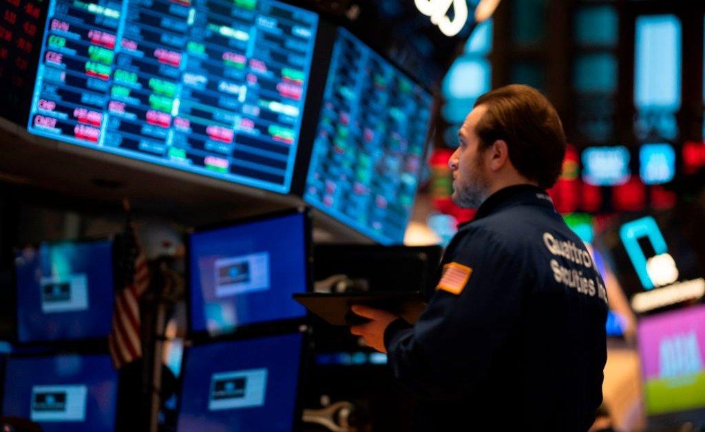 Global Stocks Plunge as Coronavirus Fears Deepen