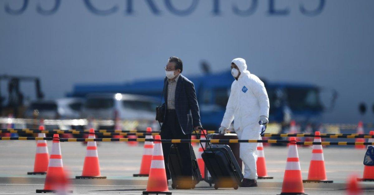Crew of Coronavirus-Stricken Diamond Princess Begin Second Quarantine in Passenger Cabins