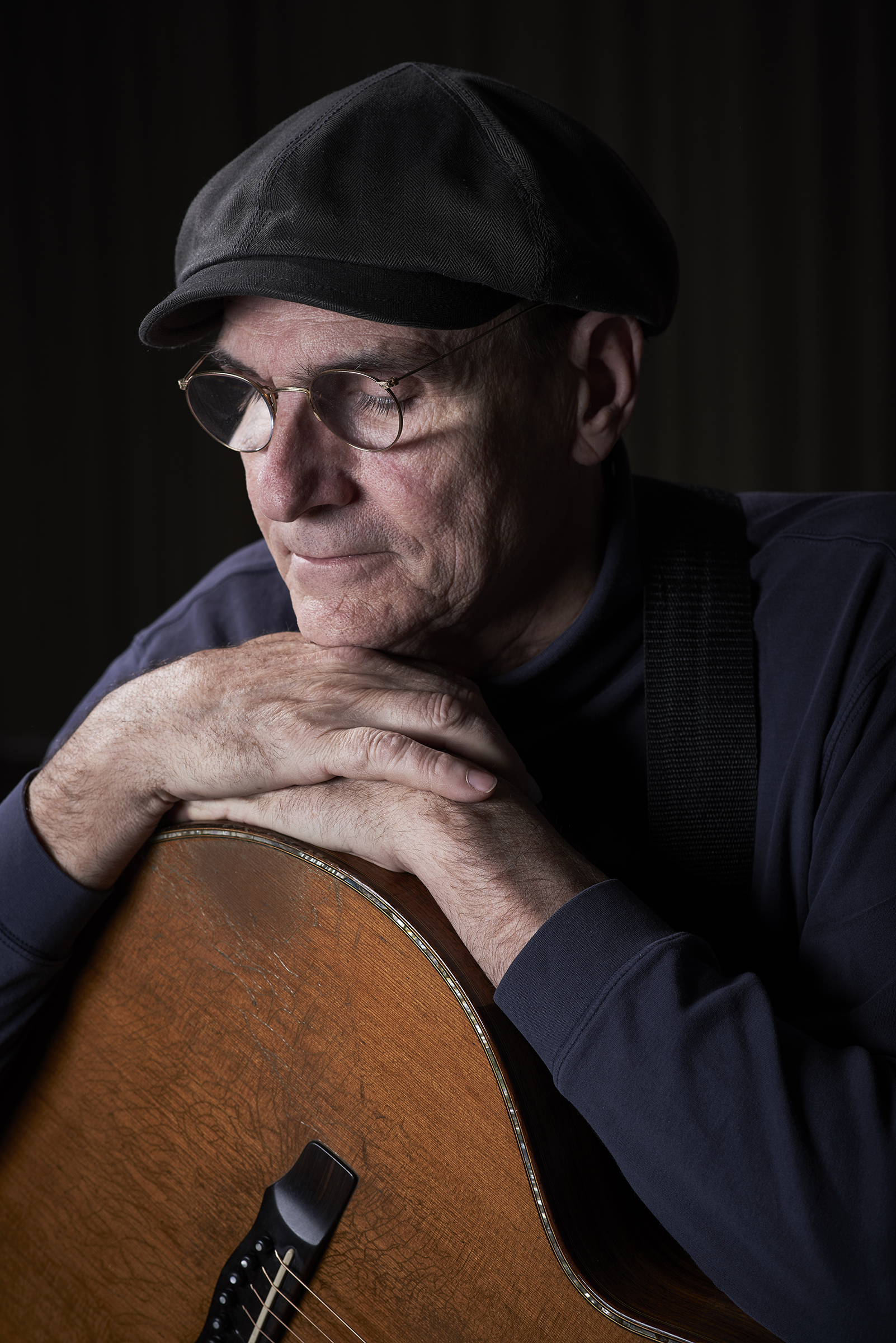 At 71, James Taylor looks back—and settles in for an encore