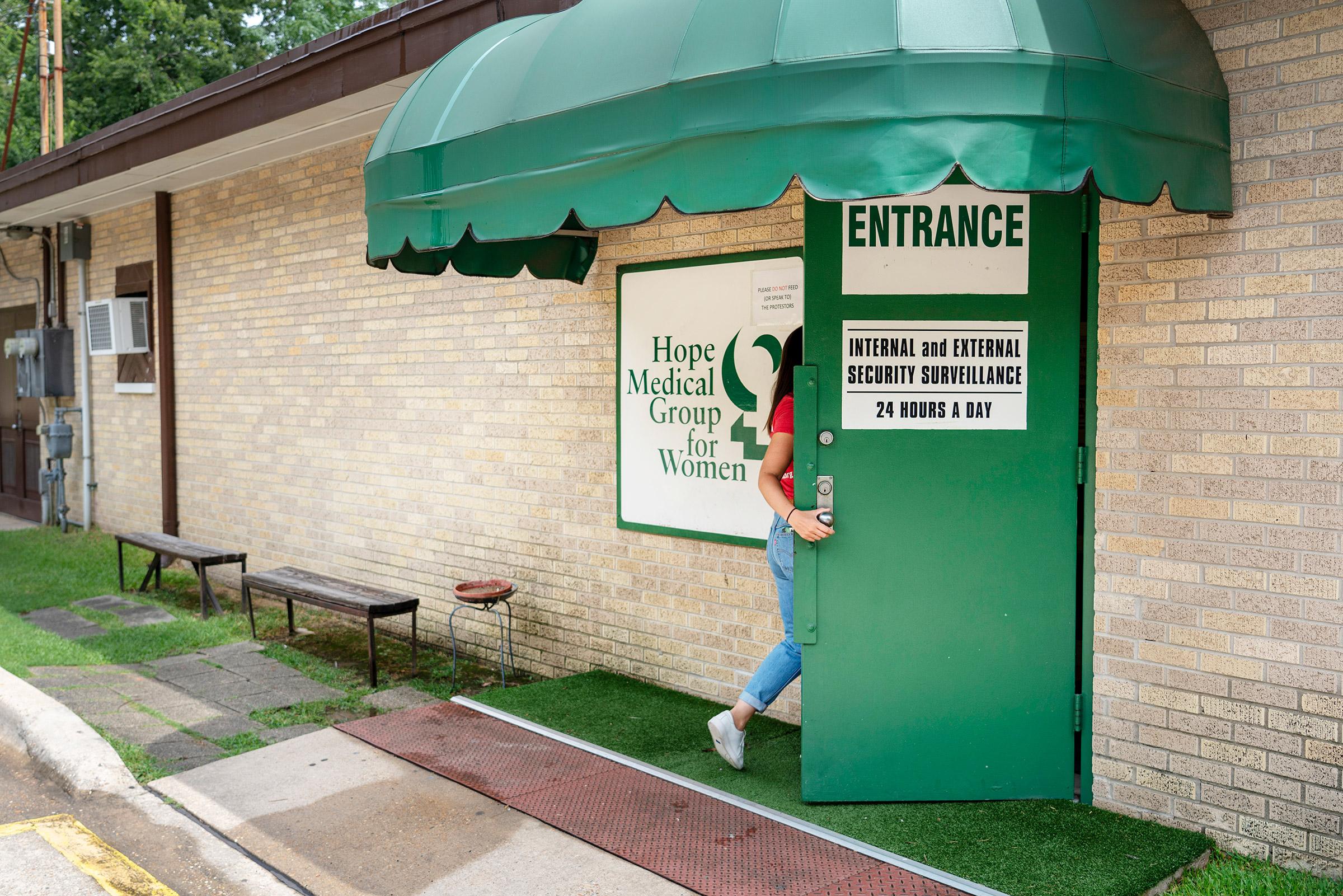 The entrance to Hope Medical Group for Women in Shreveport, La.