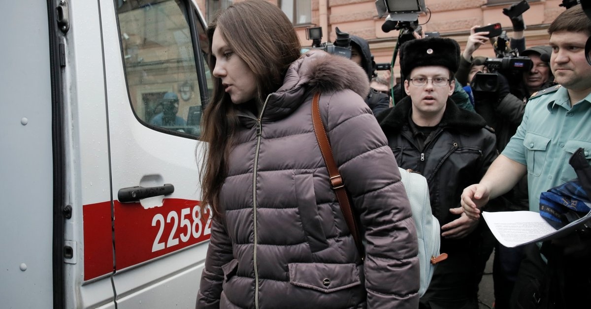 Russian Court Orders Woman Back to Coronavirus Quarantine After She Escapes From Hospital
