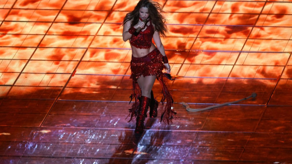 The Internet Rushes to Make a Meme Out of This Magical Shakira Super Bowl 2020 Halftime Show Moment