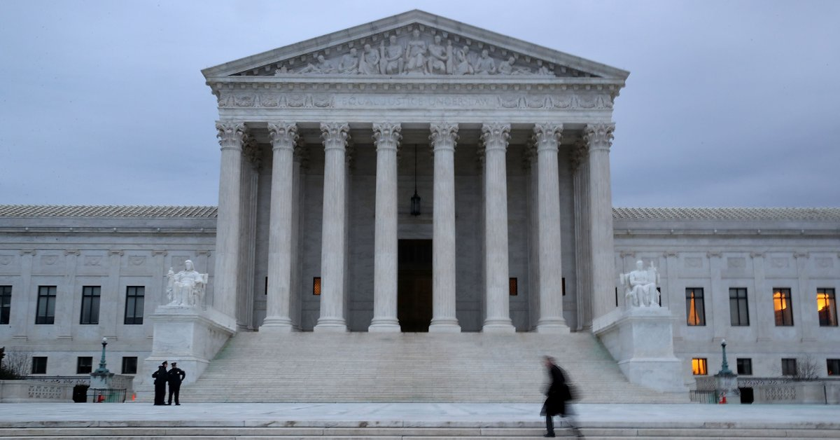 How the Supreme Court Favors the Rich and Powerful