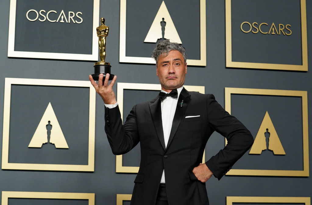 HOLLYWOOD, CALIFORNIA - FEBRUARY 09: Taika Waititi, winner of Best Adapted Screenplay for  Jojo Rabbit,  poses in the press room during the 92nd Annual Academy Awards at Hollywood and Highland on February 09, 2020 in Hollywood, California. (Photo by Rachel Luna/Getty Images)