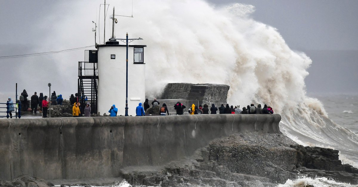 Enormous Waves Race Across Atlantic as U.K. Faces Another Winter Storm