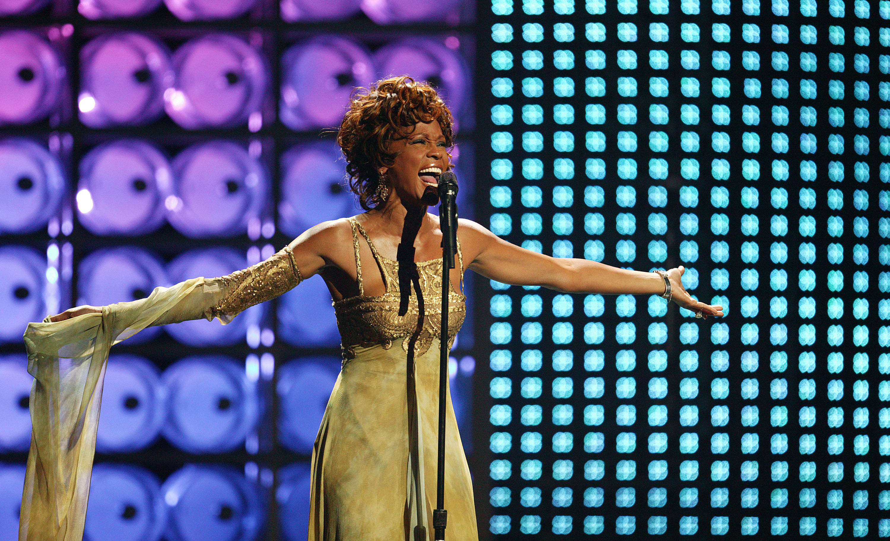Whitney Houston performs on stage at the 2004 World Music Awards on Sept. 15, 2004 in Las Vegas.