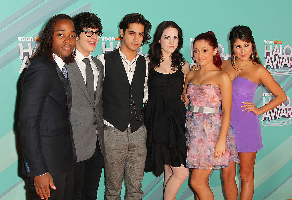 The cast Leon Thomas 111, Matt Bennett, Avan Jogia, Elizabeth Gillies, Ariana Grande, and Daniella Monet of the television show  Victorious  attend the Nickeloden TeenNick HALO Awards at the Hollywood Palladium on October 26, 2011 in Hollywood, California.