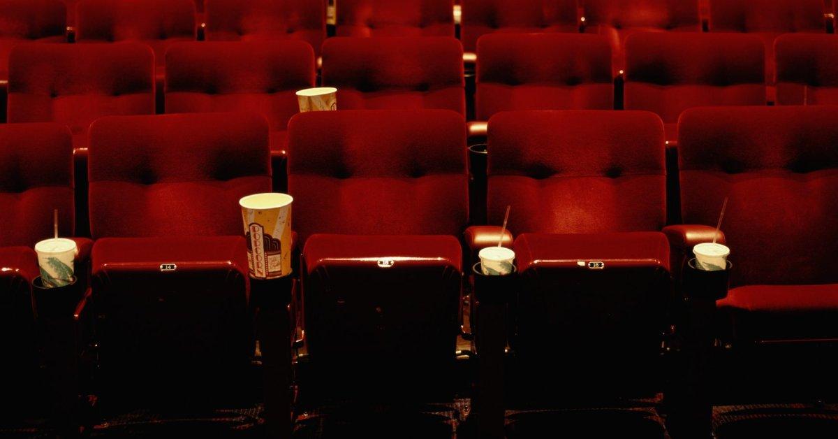 Социальное распределение в кино: как кинематографические сети пытаются противостоять коронавирусу thumbnail