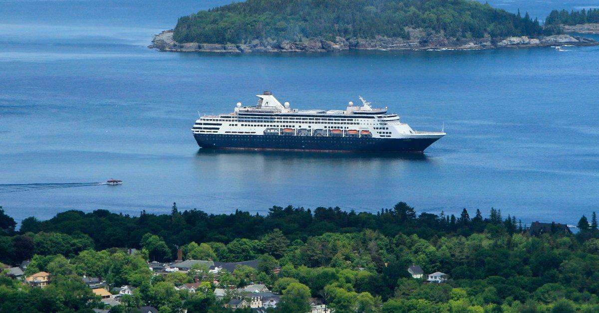 Два круизных лайнера, отпущенные другими портами, направляются в Гонолулу thumbnail