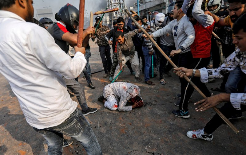 india-protests-hindu-muslims.jpg?w=800&q
