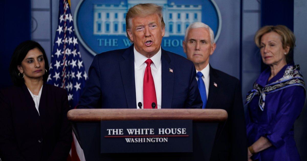 Называя себя «президентом военного времени», Трамп призывает закон маршала частного сектора thumbnail