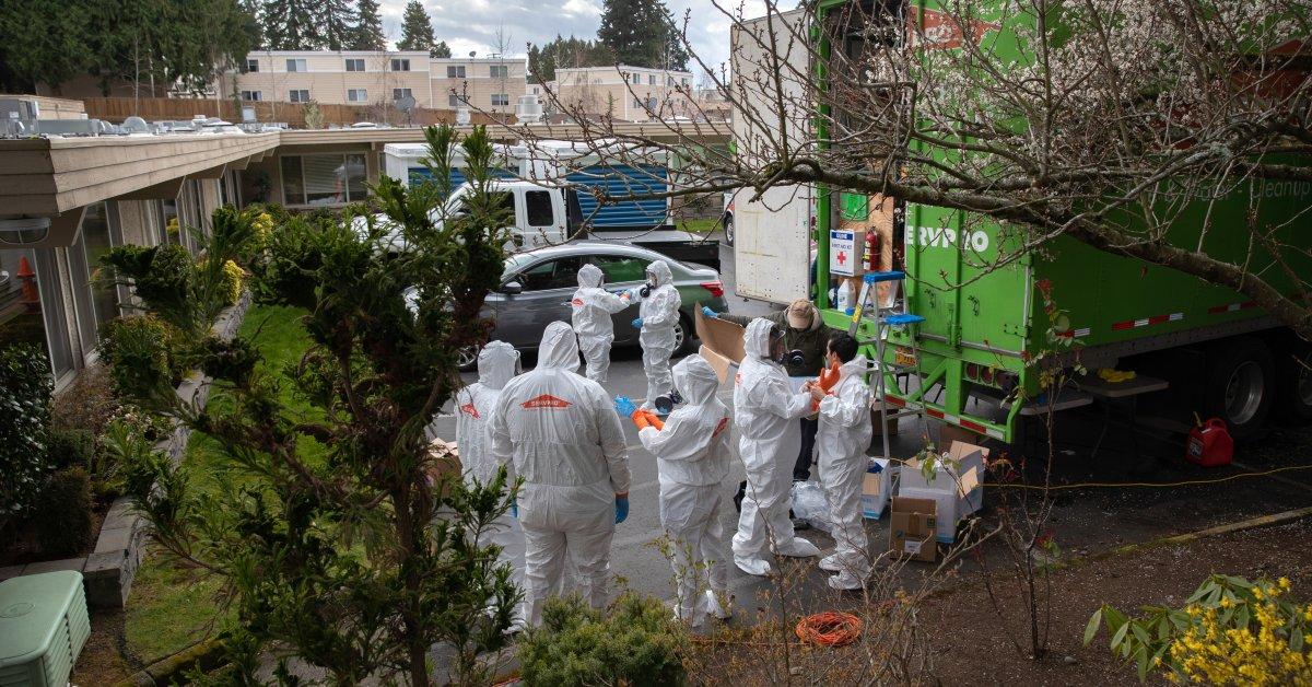 Больной работник вызвал вспышку коронавируса в центрах по уходу в Сиэттле: CDC thumbnail