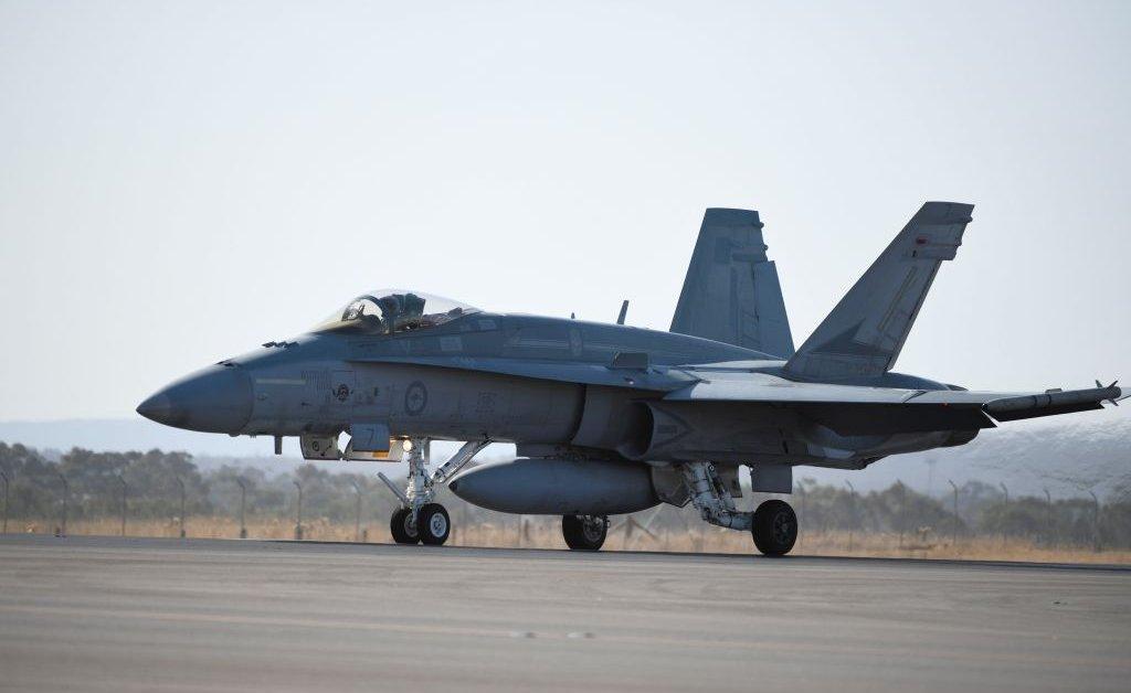 Германия на заказ истребителей США F / A-18 для люфтваффе thumbnail