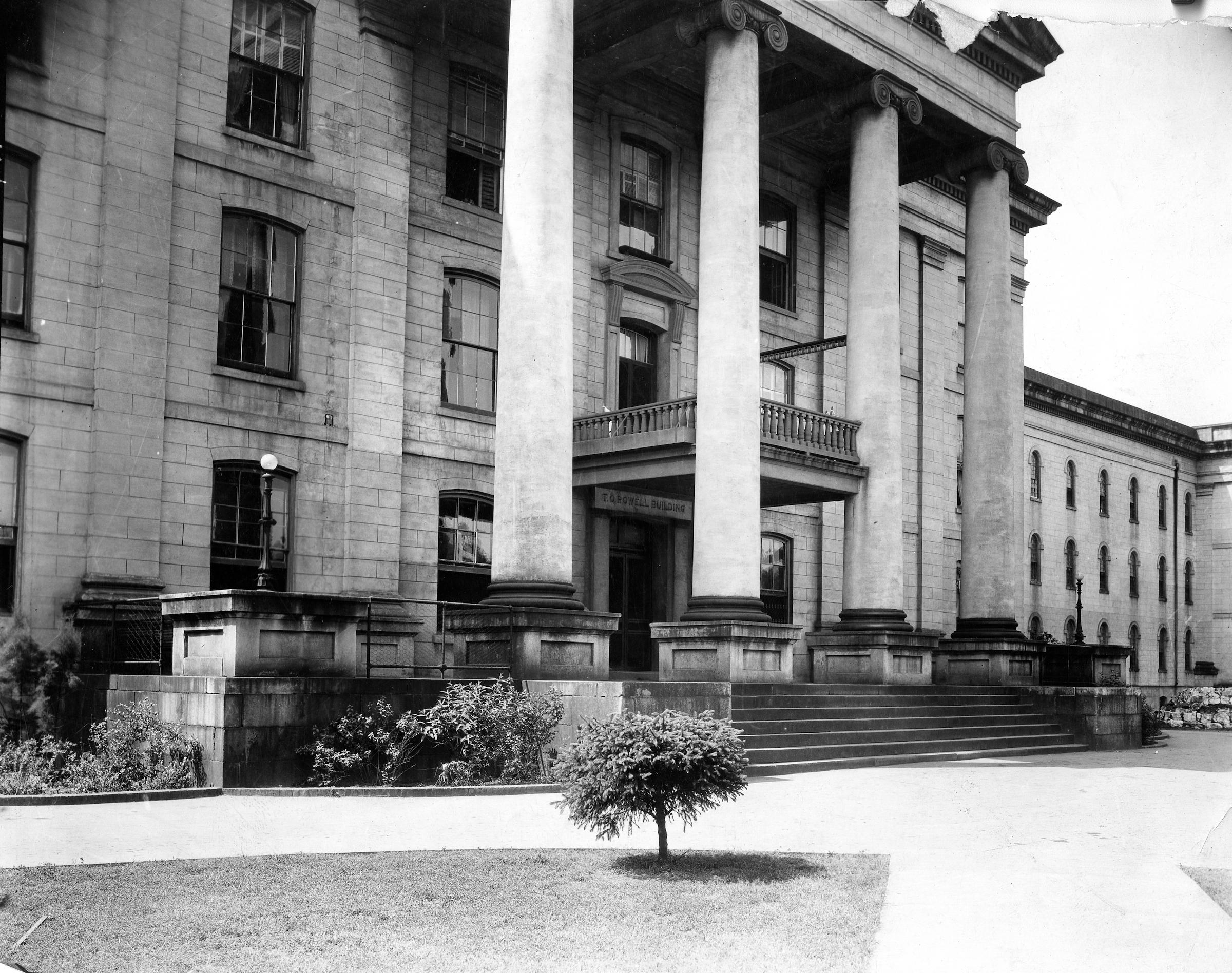 Administration building of Milledgeville State Hospital, Milledgeville, Ga.