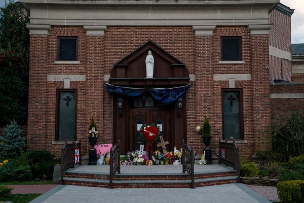 On Easter, An NYC Church Mourns as Its Priests Recover From COVID-19 | Time
