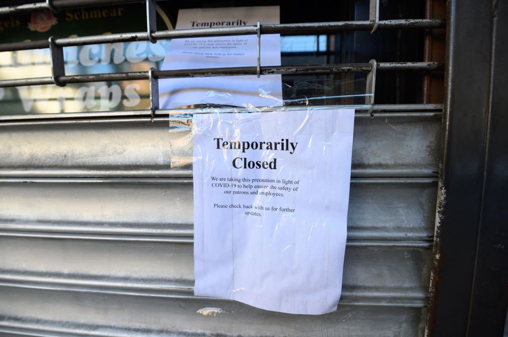A note posted outside a restaurant in Kips Bay as the coronavirus continues to spread across the United States on March 27, 2020 in New York City.