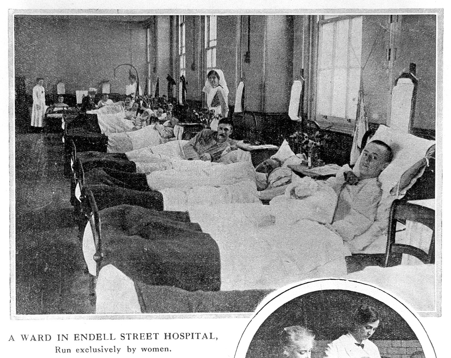 Photograph of a ward in the Endell Street Hospital in London, run exclusively by women.