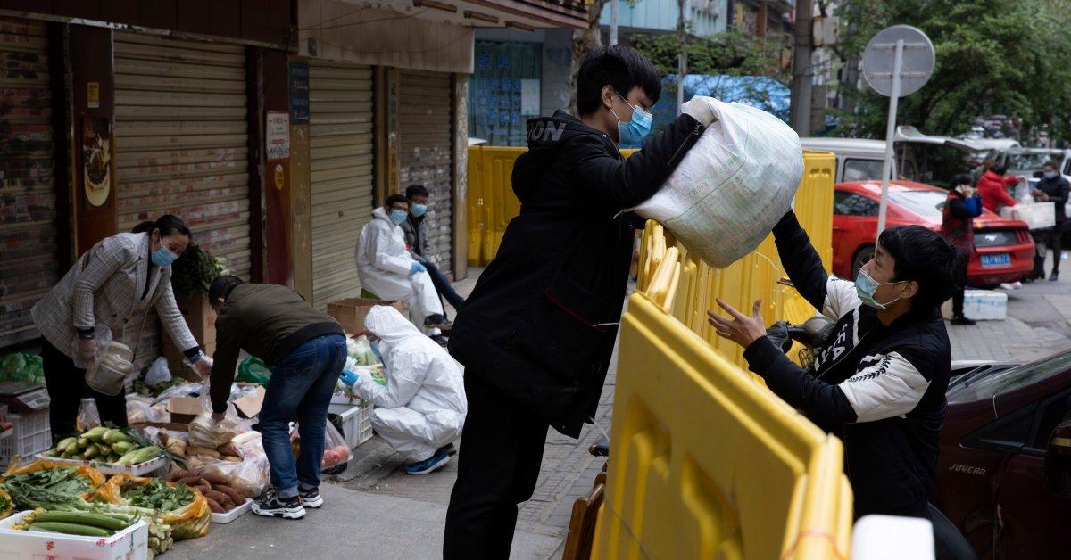 street vendors return wuhan jpg?quality=85&crop=0px,0px,6502px,3403px&resize=1200,628&strip