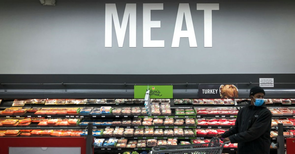 Trump to Order U.S. Meat Plants to Stay Open Amid Supply Fears thumbnail