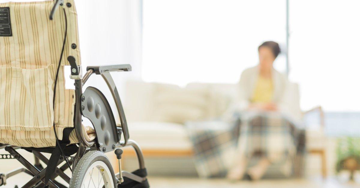 «Лицензия на пренебрежение». Дома для престарелых ищут и завоевывают иммунитет в условиях пандемии коронавируса. thumbnail